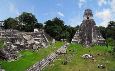 LC-800px-Tikal_mayan_ruins_2009